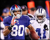 Victor Cruz scores a long touchdown.