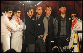 simon pegg as elvis with coldplay